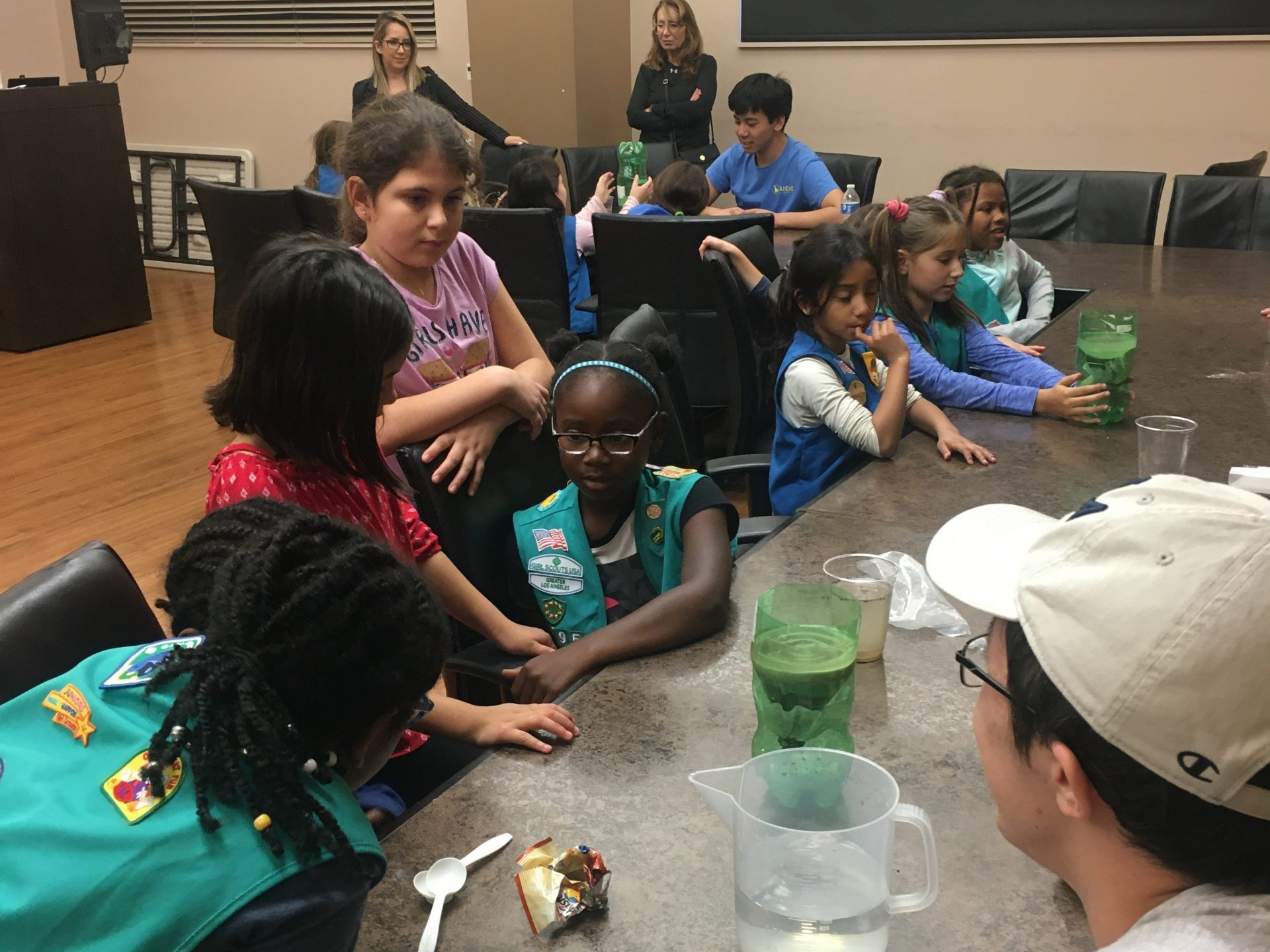 In November, we helped girls 5th grade and under earn their engineering fun badge in a fun afternoon of STEM activities with the troop from the UCLA Lab School.